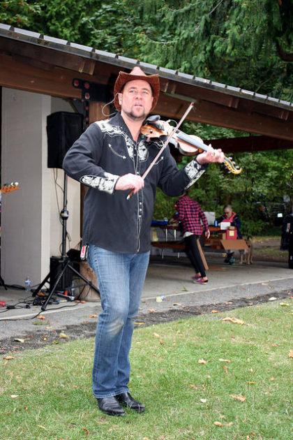 dennyfest-2016-fiddler